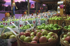 home-fresh-apples-750x489